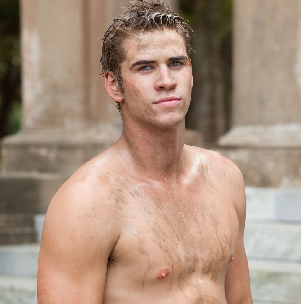 Liam Hemsworth shirtless naked nipples