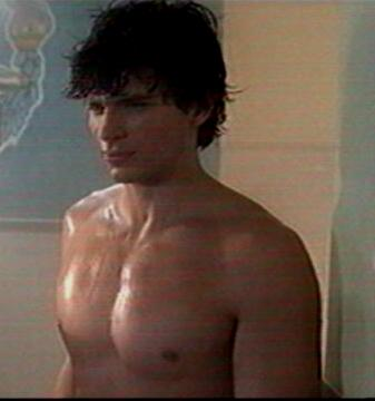 Tom Welling Shirtless in Locker Room