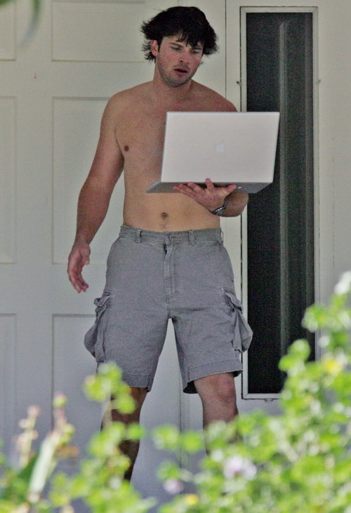 Tom Welling shirtless Paparazzi Photos